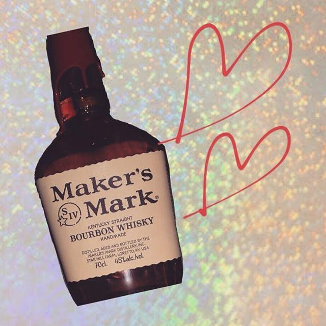 こんばんは今日は、snowのお酒の紹介です🥃これは、最近ずっとはるさんが飲んでる『メイカーズマーク』です!パッケージが一見変わってて可愛いですよねまろやかでな口当たりとふっくらと柔らかな甘みが特徴! 香りもつんとしてなくて、甘い香りがフワッと広がりますよ#AsobiBarSnow #Snow #群馬 #ウイスキー #前橋 #バー #お酒 #女子会 #カラオケ #ゲーム #ダーツhttps://www.asobibar-snow.jp/090-2488-1100
